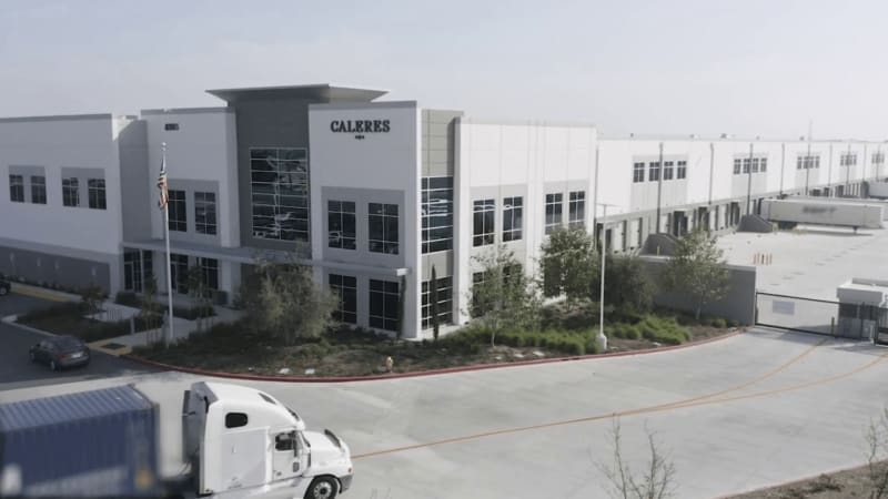 Dan Cornwell is Director of eCommerce & Digital Experience at Caleres and explains how the company has partnered with Coveo for their re-platform project to focus on relevant, personalized, and smooth customer experiences, in a scalable and hands-off approach.